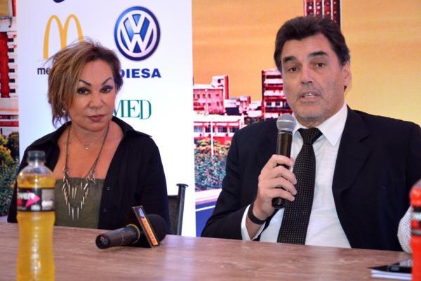 El ministro de Deportes, Víctor Pecci, junto a la Ing. Myrta Doldán, presidenta de la Federación de Atletismo, presentaron la MMICA en la SND